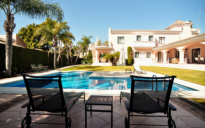 Luxurious Family Villa in Nueva Andalucia